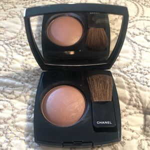 Chanel blush in 04 Accent